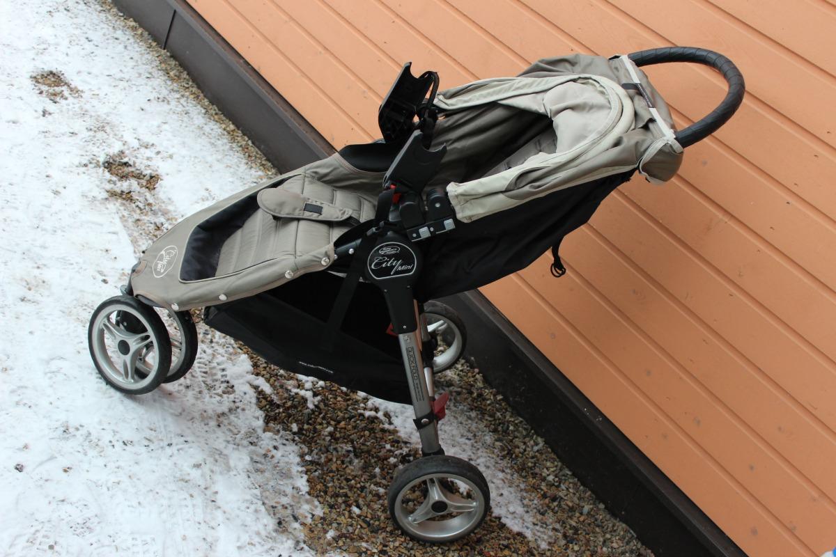 83f22cff590 Kergkäru turvahälli adapteritega ...